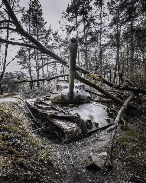 Заброшенные места на снимках Саймона Йонга