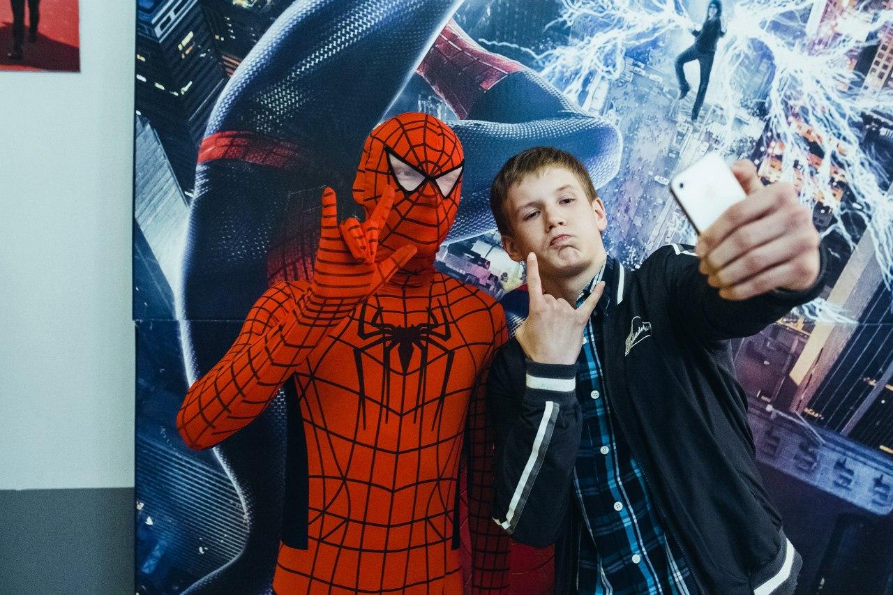 """В Горках состоится спецпоказ фильма """"Новый Человек-паук: Высокое напряжение""""."""