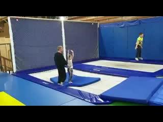 И снова сальто!!! Теперь сальто покорилось Анечке Ивановой! Браво👏👏👏#trampoline_sp #батуты #батут #батутныйспорт #батутсергие