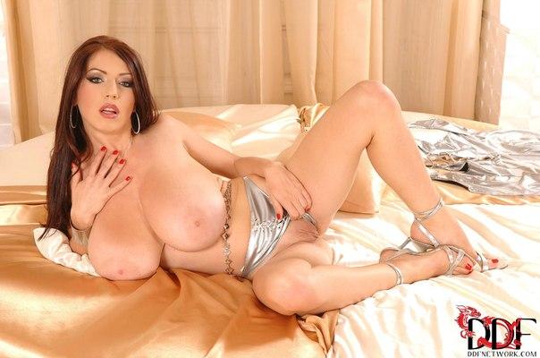 порно модели с огромными сиськами