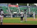[오늘의 시구] Открытие бейсбольной игры Doosan - NC (06.09)