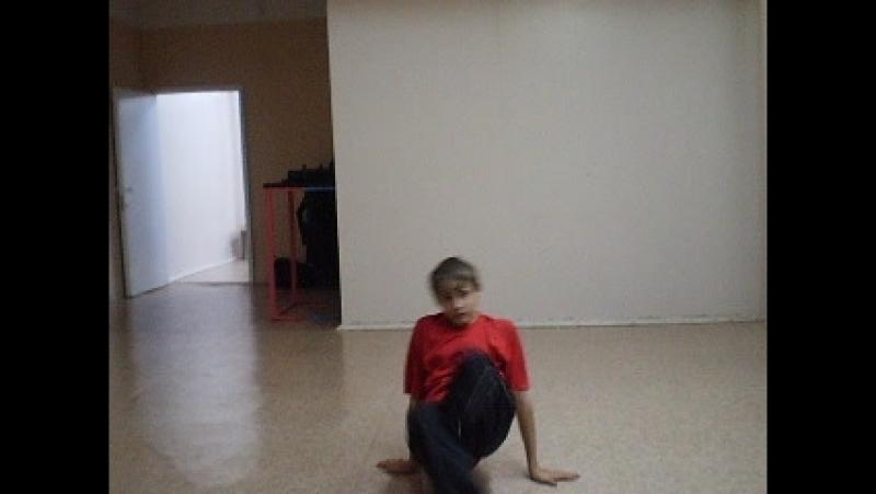 Архив т\о СТЭМ 2009.Тренировка по брейк дансу- Алескей