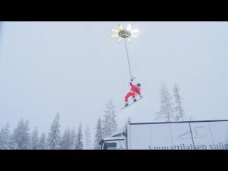 Сноубордист взлетел с помощью дрона