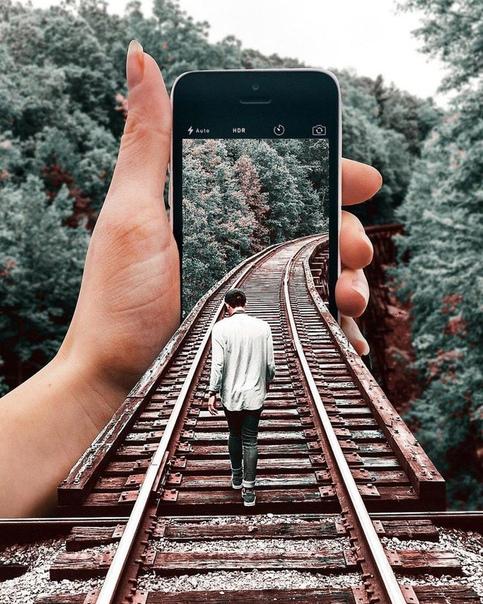 Цифровой художник Хусейн Шахин Хусейн Шахин родился и вырос в Турции. В данный момент работает в Стамбуле. Он фотографирует достопримечательности, красивые пейзажи, животных и совмещает кадры,