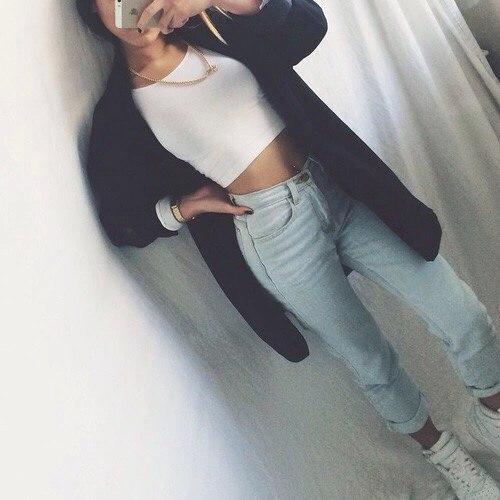 Фото девушек через зеркало