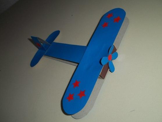 Поделка для садика самолет