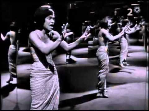 Eartha KittCest Si Bon Live Kaskad 1962