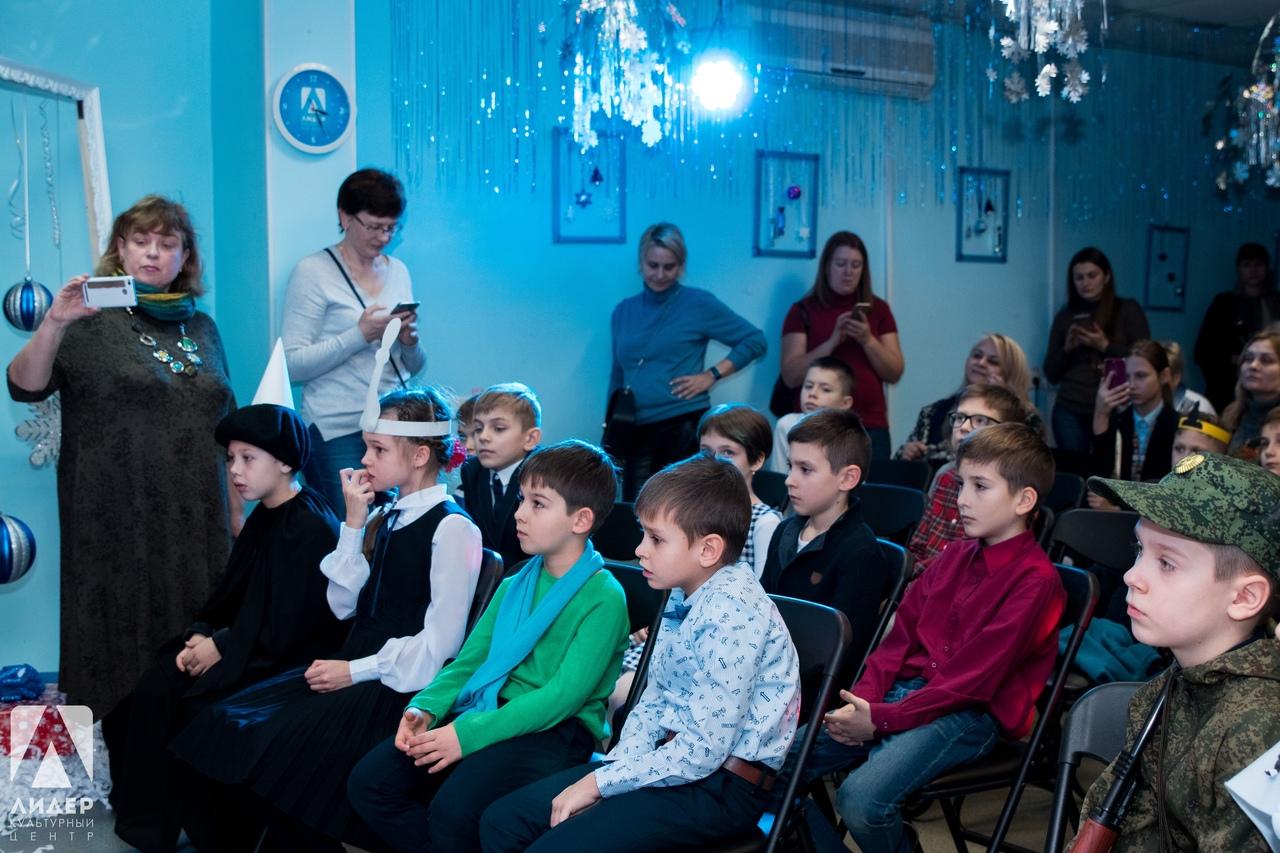 Театрализованное представление о шахматах показали на Лермонтовском проспекте