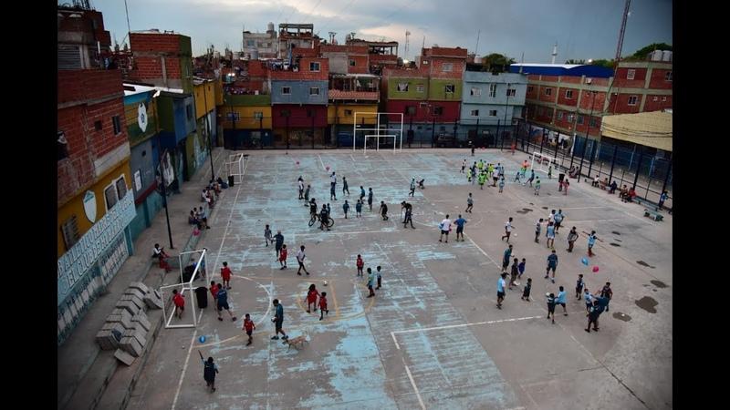 Clínica de Futsal en el Club Madre del Pueblo
