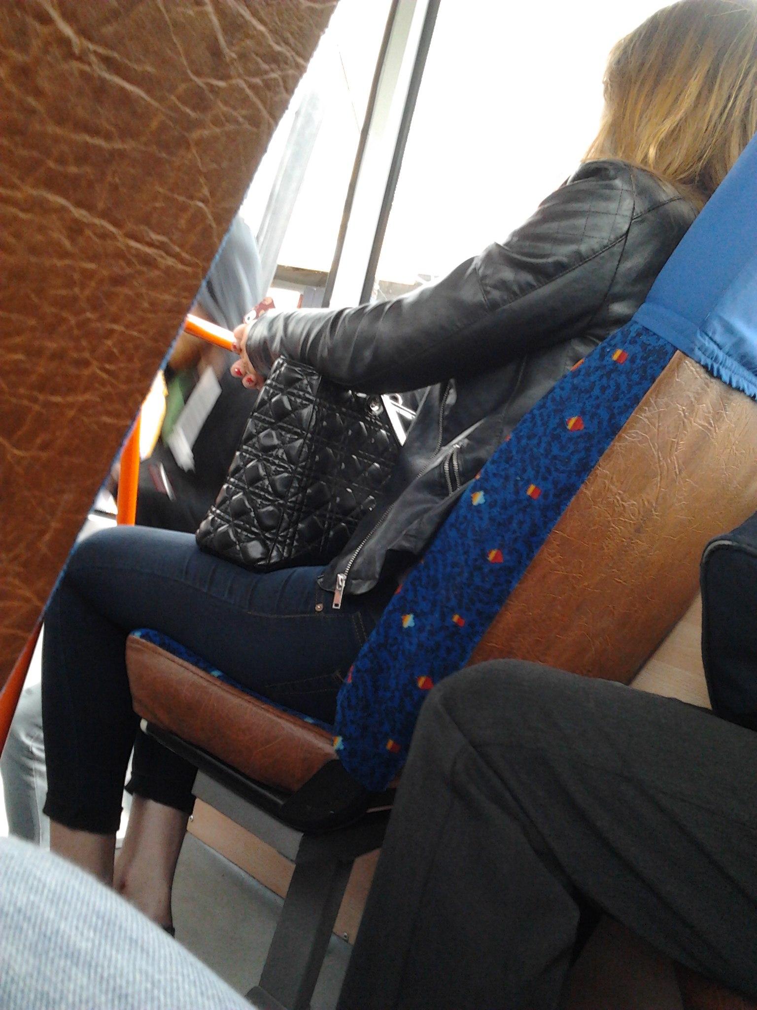 Фото девушка с парнем с короткой стрижкой брюнетка 27 фотография