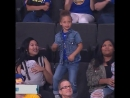 Дочь Стефа Карри станцевала во время предсезонного матча