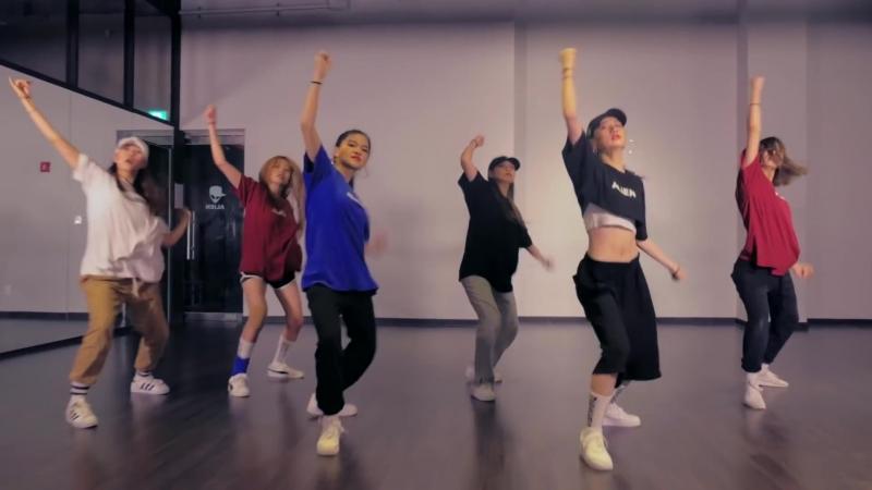 """""""Usher - Yeah"""" ALiEN 1 TAKE ¦ Choreography by Euanflow"""