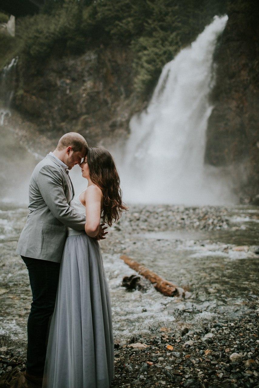 Что такое фотосессия Love Story - примеры лучшие. Сайт ведущего на свадьбу. Волгоград. Заказать услуги ведущего на мероприятие, заказать написание свадебного сценария можно по тел: +7(937)-727-25-75 и +7(937)-555-20-20