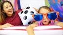 БОЛЬШОЕ Против МАЛЕНЬКОГО Интуиция Челлендж Mistery Box Switch Up Challenge Вики Шоу