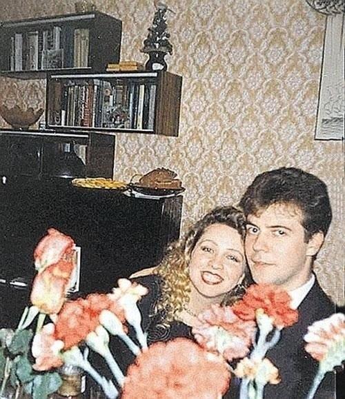 Дмитрий медведев с супругой