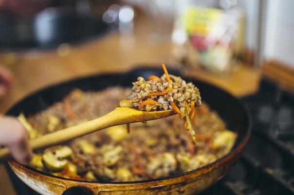 Гречка с грибами и овощами