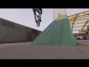 Опасный дабл пег гринд на мосту BMX
