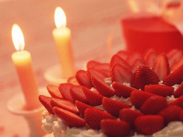 Оформление: как украсить стол к романтическому ужину