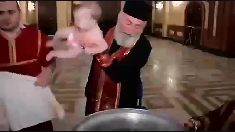Младенец в церкви утонул