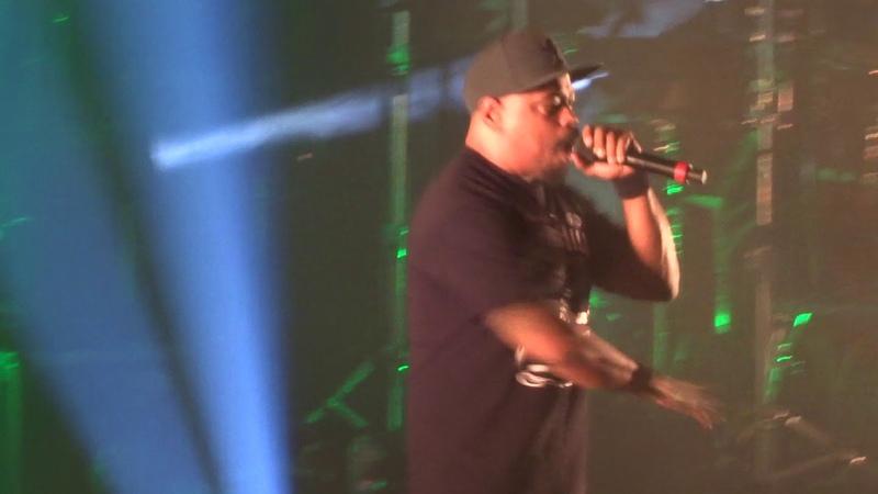 Cypress Hill исполнили Band Of Gypsies, в рамках своего тура Elephants On Acid Tour 2018. (8 декабря 2018 г.) (видео)
