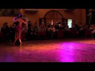 2011 Nov Cristian Lopez y Naoko Tsutsumizaki Buenos Aires Milonga Parakultural 1