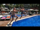 Jump to the pool - Slow-Mo