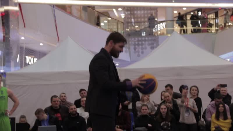 Алексей Игонин забивает со штрафной   1 тур ULE 3x3