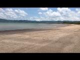 Пустой пляж Salinas bay.
