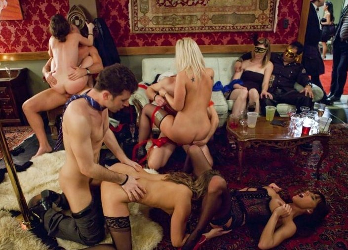 Hardcore Sex Party In The Club
