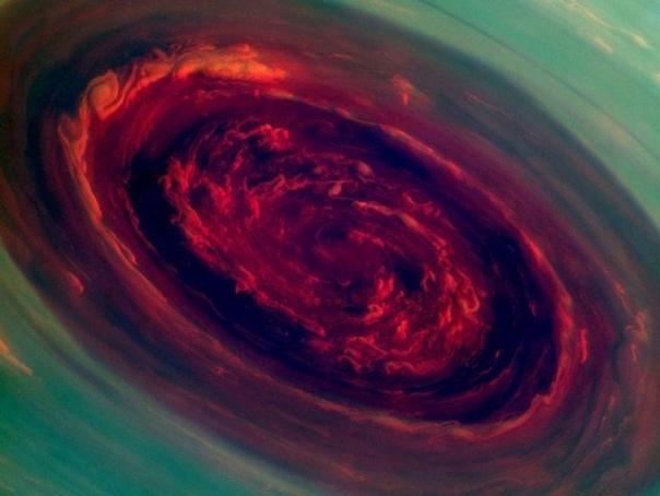 Невероятные инопланетные бури Природа бывает безжалостна, обрушивая на человека грозы, ураганы и бури. В такие моменты кажется, что Земля — не самое дружелюбное место, но на самом деле нам ещё