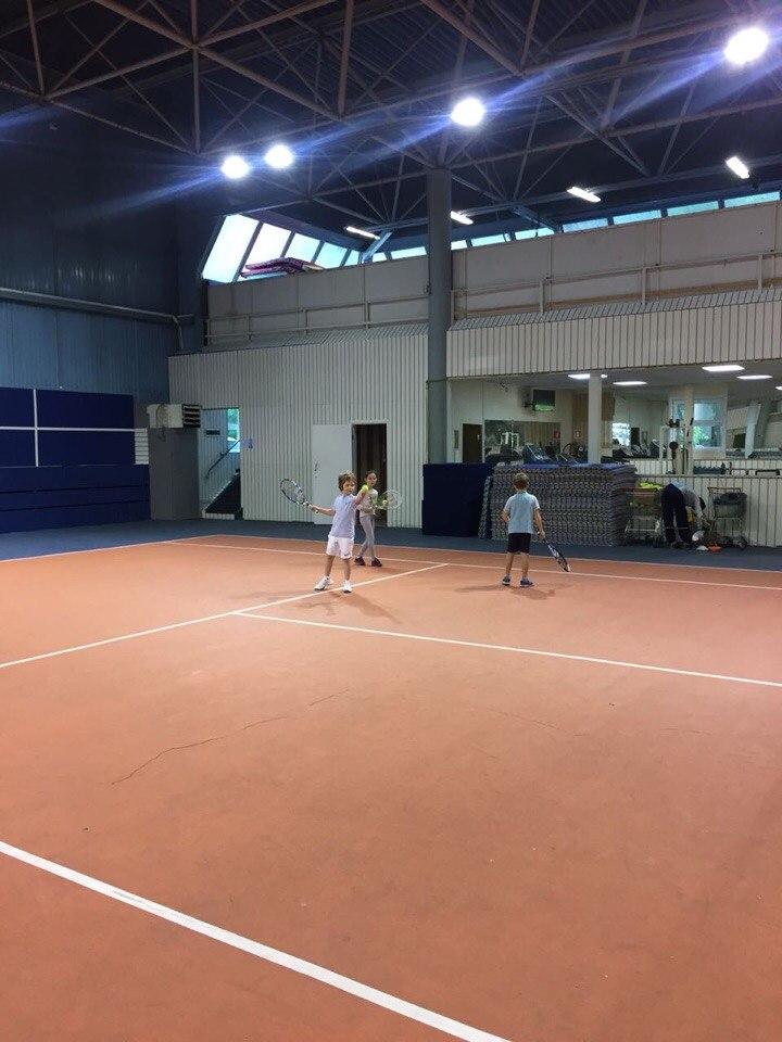 Поздравляем маленьких теннисистов
