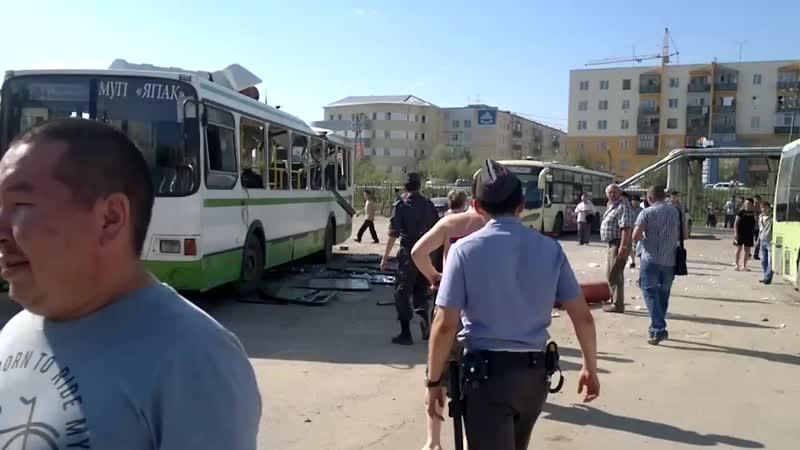 Взорвался метан на крыше автобуса..mp4
