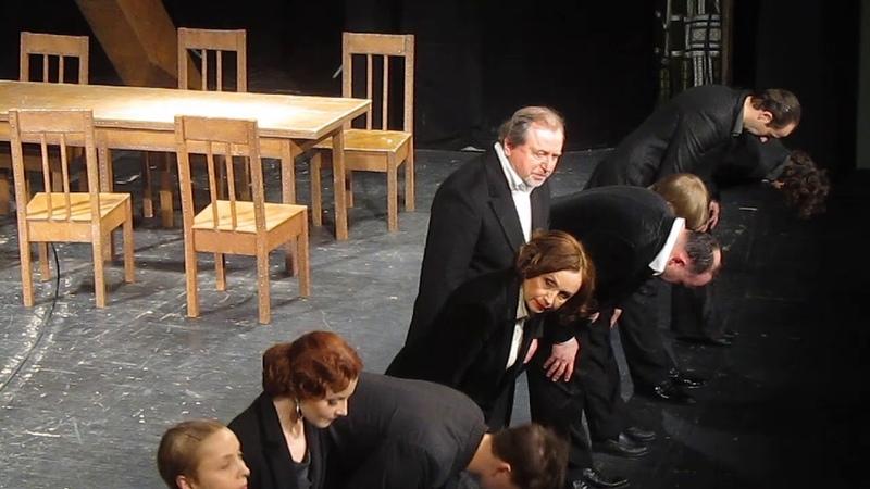 Театр РАМТ, на спектакле Будденброки (Томас Манн). Поклон артистов.