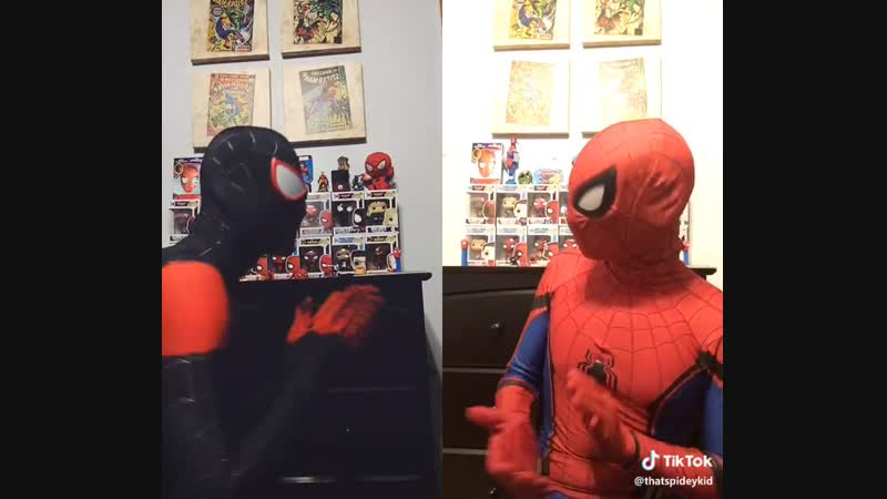 Два человека паука сходят сума