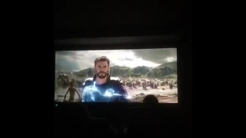 Война Бесконечности / Avengers_ Infinity War (Могучий мститель пришёл на помощь)