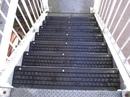 Идея применения старых покрышек: на такой лестнице не поскользнешься!