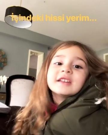 """Nergis Bahtoğlu on Instagram """"İçimdeki hisse dedim.🤣🤩Kızlar ne kaynatıyorsunuz🙈❤ @denizcakir @defnepiricciofficial @vurgundizifox @foxturkiye ..."""