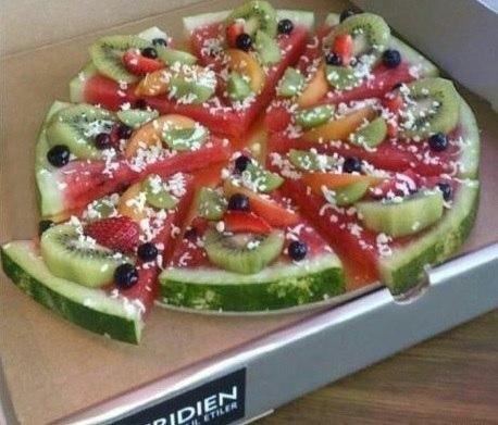 Арбузно-фруктовая пицца