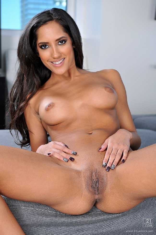 Chloe Amour Mon Amour ClubSandy