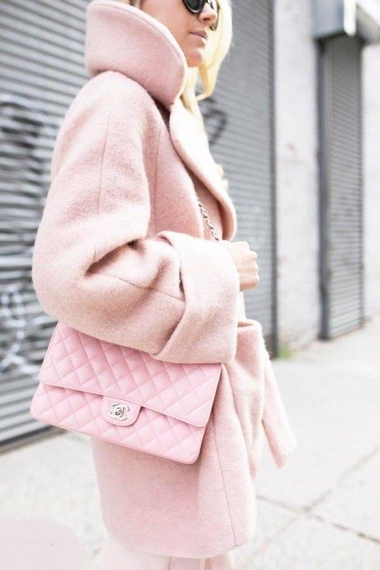 Пальто в нежно-розовом цвете