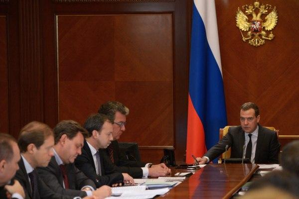 Вице-премьер правительства россии виталий мутко и новый министр спорта рф павел колобков приедут 26 ноября