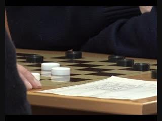 В Каменске проходит личное первенство по русским шашкам