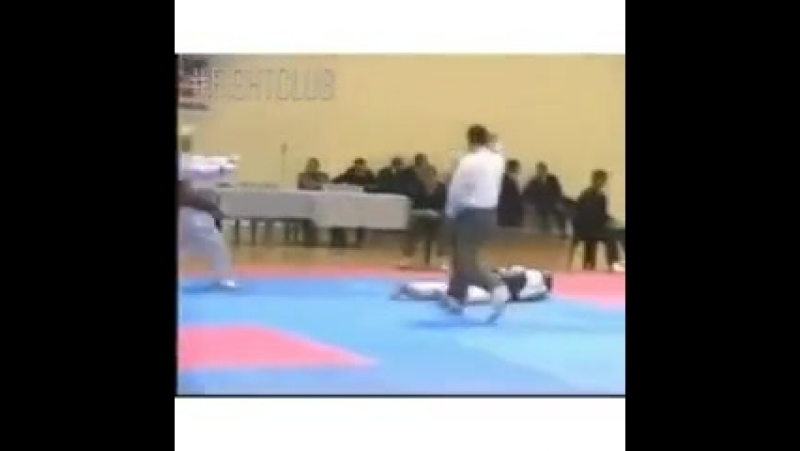 Incredible Knockout During a Karate Match!(vbv).240.mp4