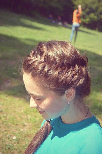 Зачіски з елементами плетіння vk