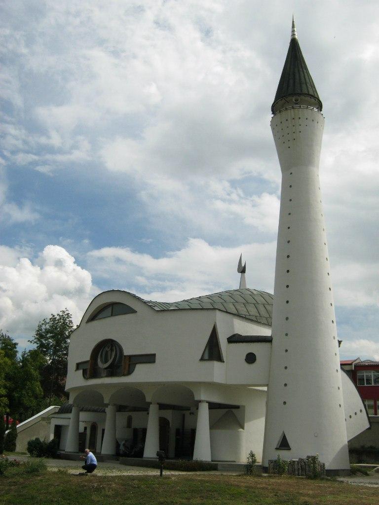 мечети в необычном архитектурном стиле