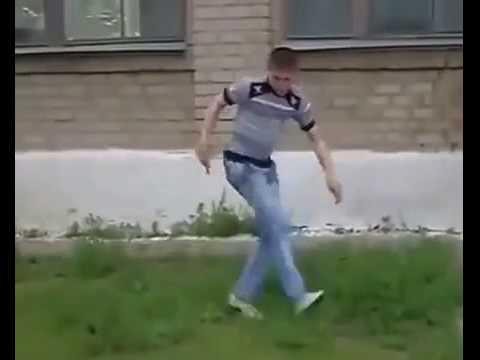 Пацан прыгнул с крыши и начал танцевать online video cutter com