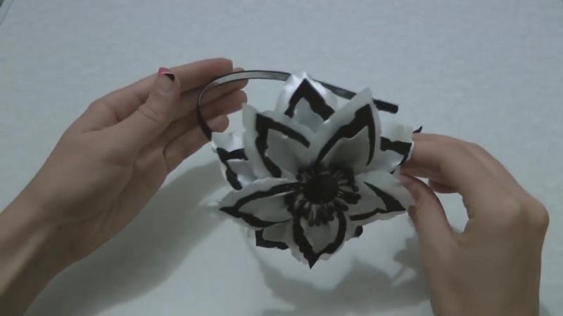 Канзаши. Ободок в школу на 1 сентября. Цветок из атласной ленты.