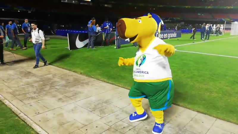 Zizito está vibrante antes do jogo da abertura! VibraOContinente CopaAmerica Brasil 2019 ️.mp4