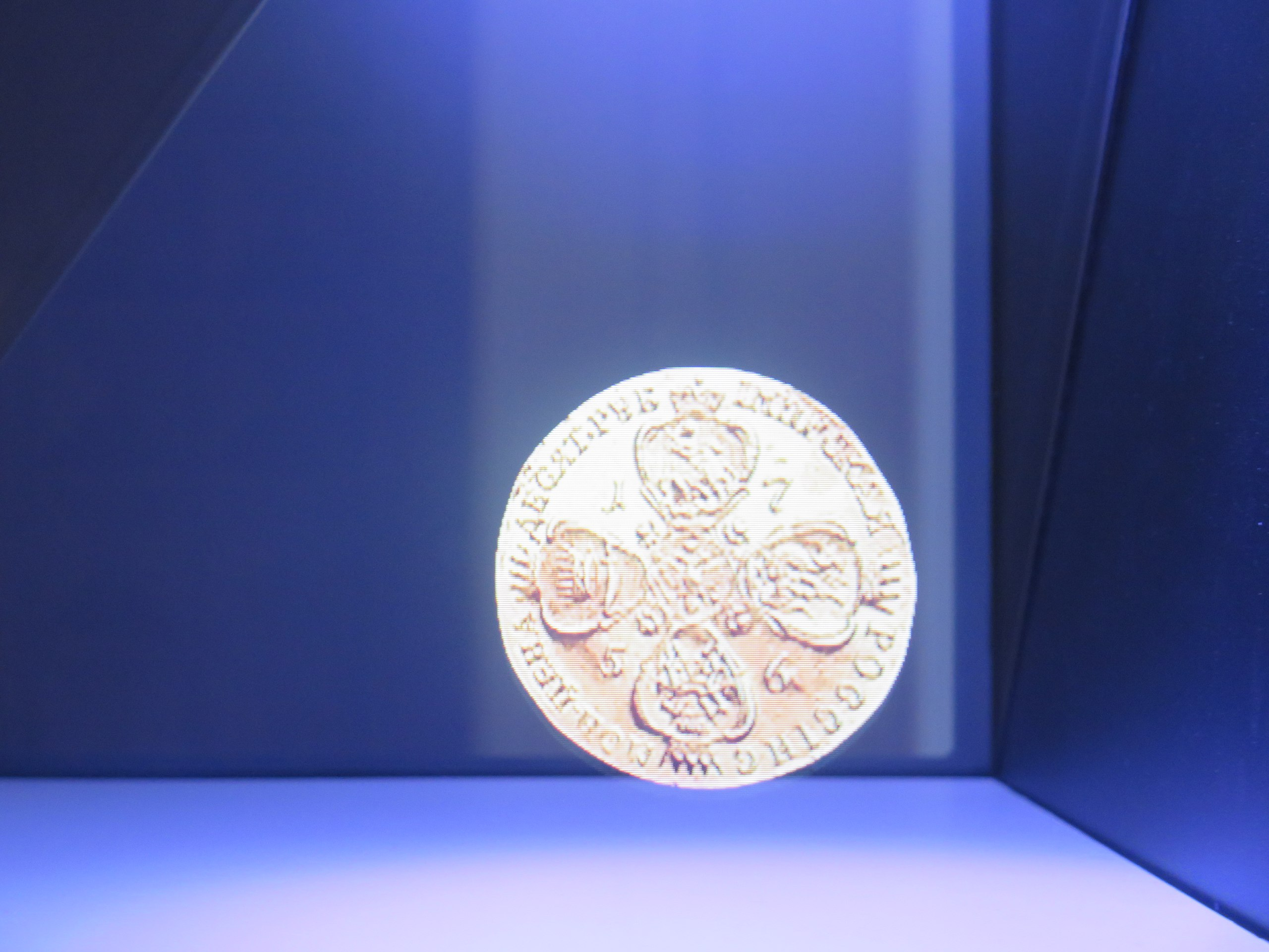 Где спрятаны золотые монеты России? монеты, монет, можно, очень, выставке, каждой, всего, золотых, музея, здании, Московского, всегда, Романовых, только, династии, информацию, помощью, витрины, благодаря, монету
