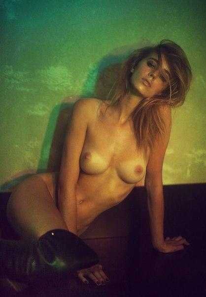 Бельгийская модель Элиза Сис снялась для издания S Magazine.